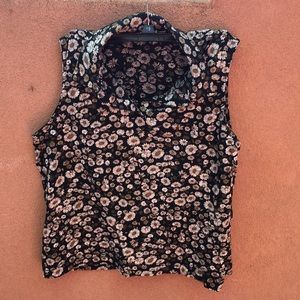 Tops - Vintage sleeveless floral top